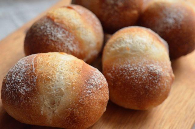 もっちり香ばしい 表情豊かな食事パン プチパン・ファンデュ