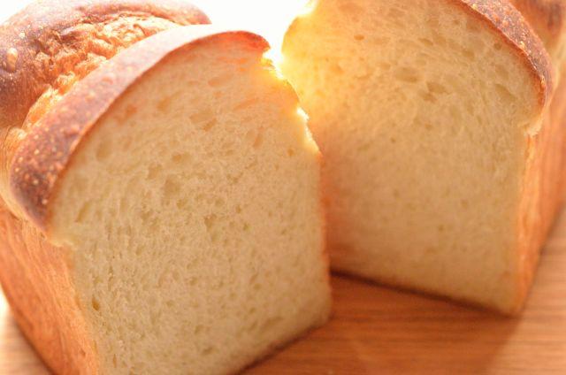 流行に背を向けた美味しさ 「ホシノ丹沢天然酵母」×国産小麦で作るイギリスパン