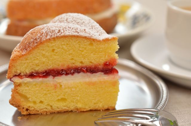 素朴でエレガントな紅茶のお供 ヴィクトリアサンドイッチケーキ